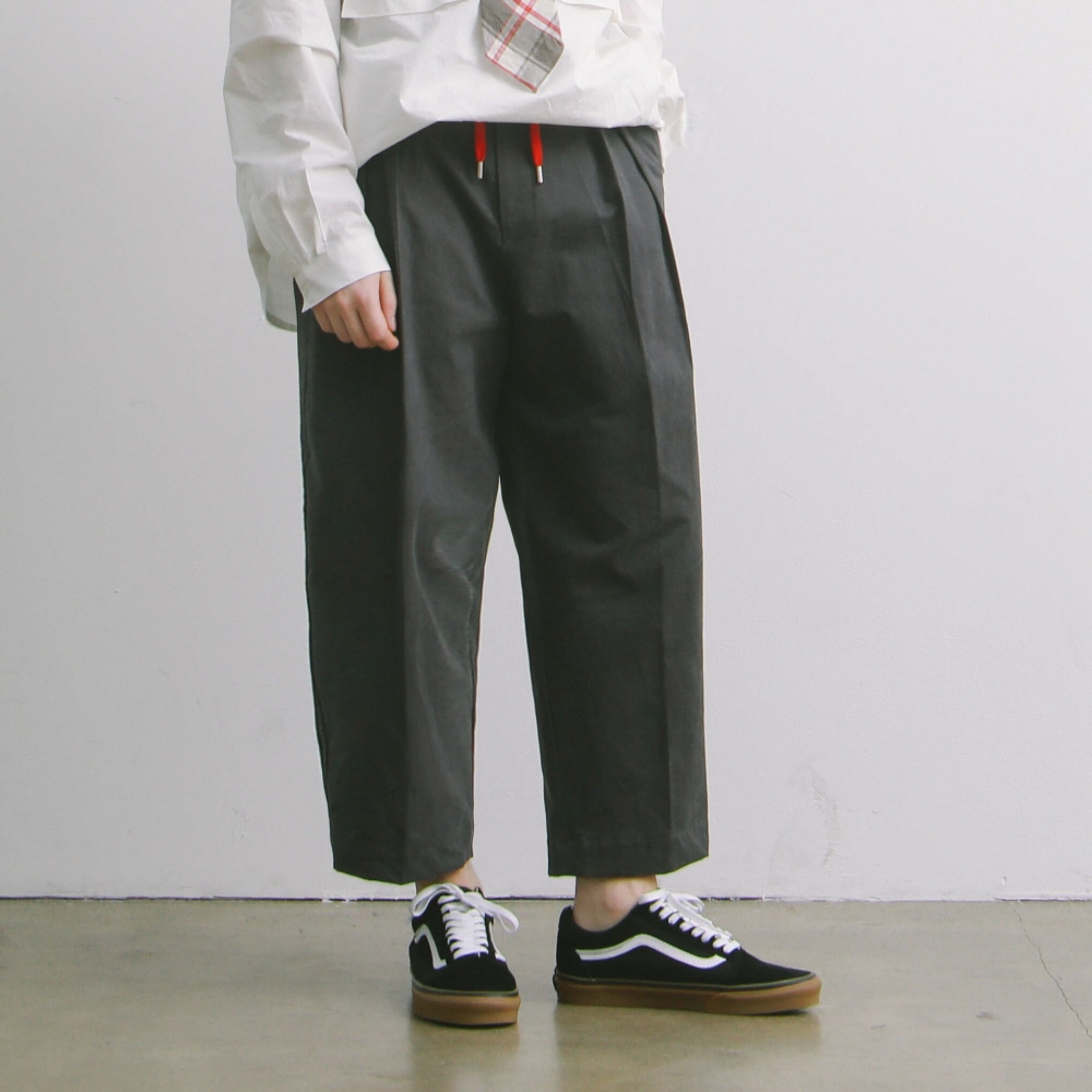Lobby Boy Wide Tapered Easy Pants (Charcoal)